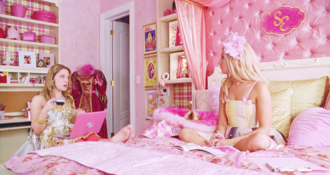 【女子会映画♡】ピンクのお部屋が可愛い洋画まとめ18選