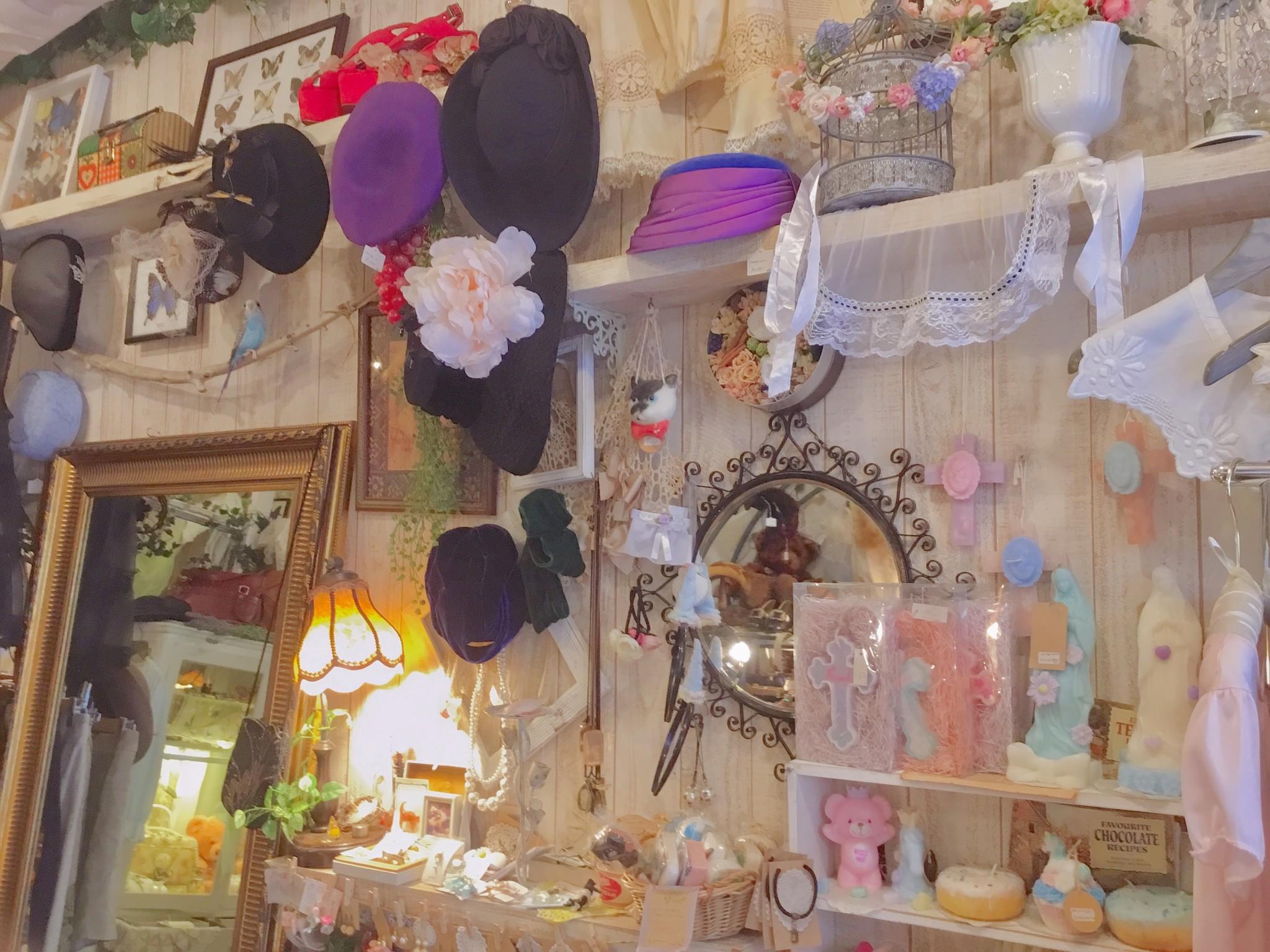 あなただけの特別な1着が見つかる...高円寺の古着屋『Comyu』