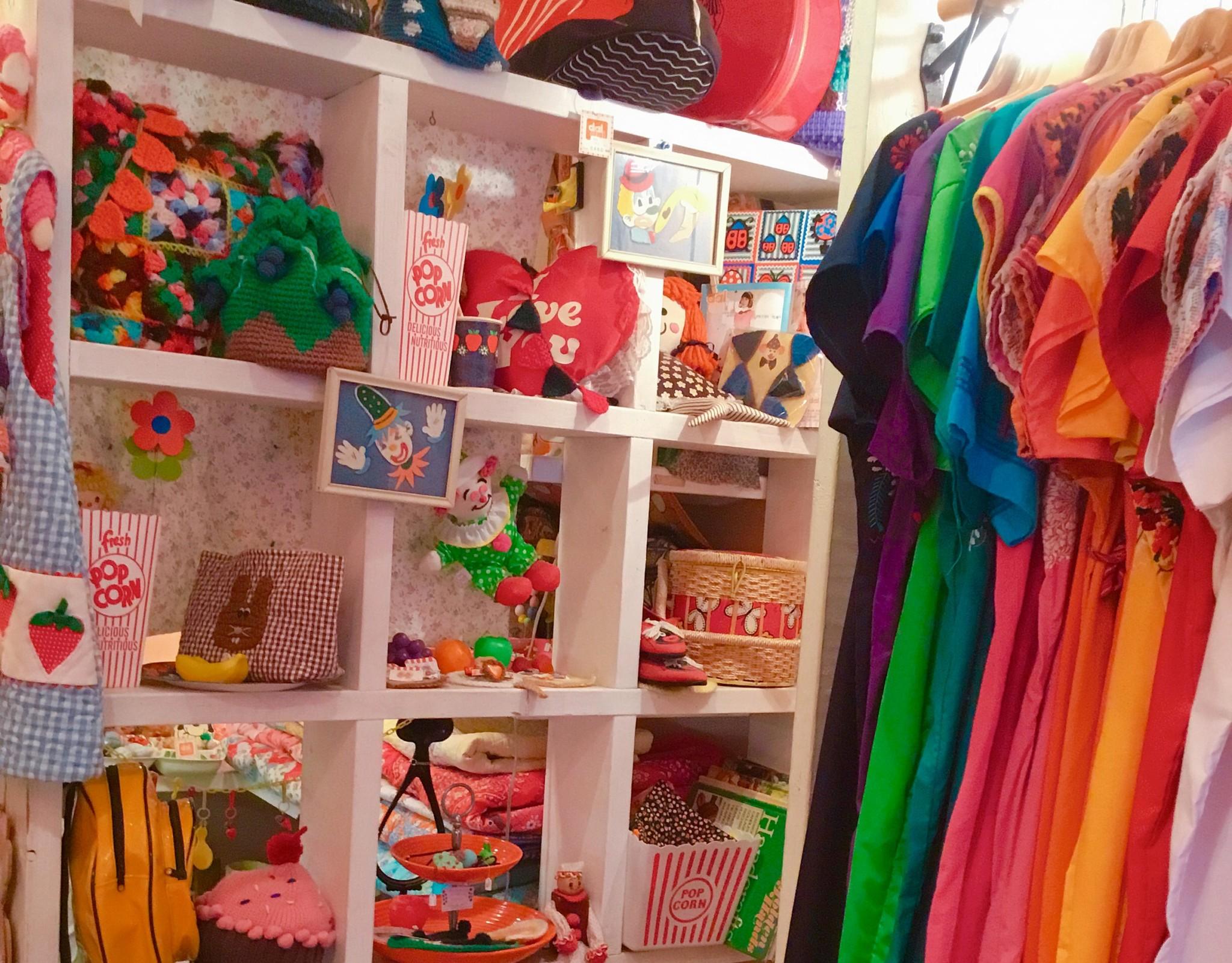 POPでレトロな店内にワクワクしちゃう♡高円寺の古着屋『daidai』