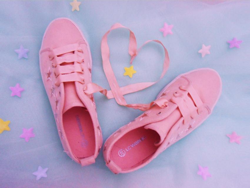チュールリボン×スニーカー]ゆめかわいい靴紐の結び方♡ , Lafary
