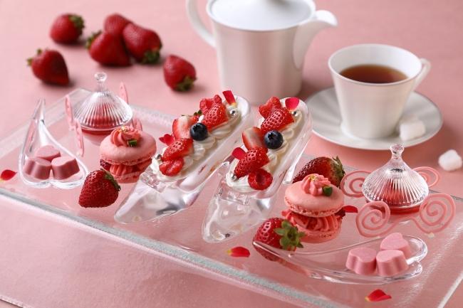 「あまおうフェア」プリンセスイメージの苺のデザート&カクテル♡