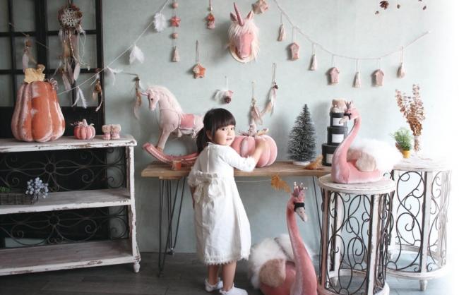 ピンクのユニコーンがお部屋に♡童話のようなインテリア装飾