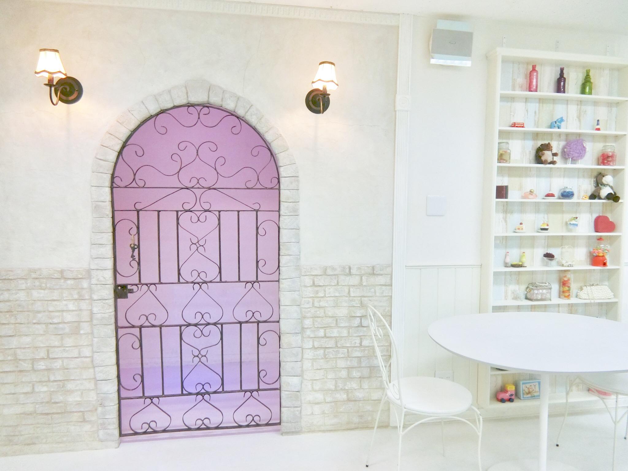 撮影・女子会に◎新宿のガーリーなレンタルスタジオ「Barbie studio」