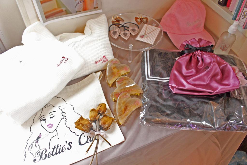 まるでガーリー洋画の世界🎀🌹原宿のキュートな美容院Bettie