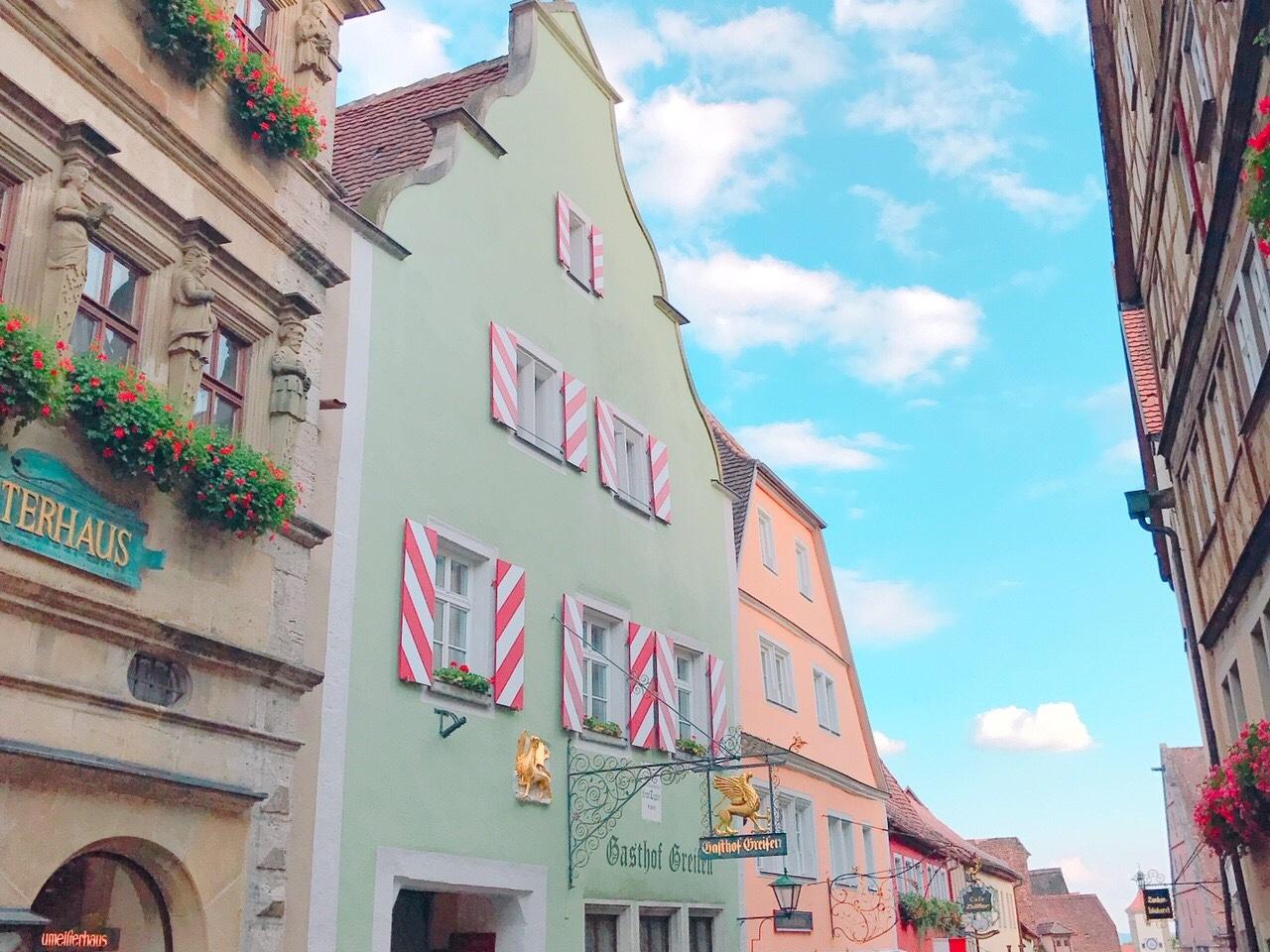 世界一インスタ映えする町。ドイツのローテンブルクが可愛すぎる..♡
